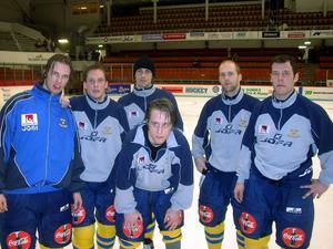 Robert tillsammans med lagkompisarna 2006.
