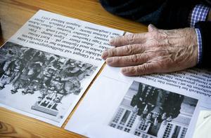 På de gamla bilderna känner Åke Hinz igen flera av de tyskar som blev placerade vid granngruvan Stollberg.