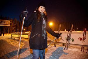 Elin Badra kom till Kaxås i mitten av januari. I onsdags stod hon på skidor. Hon tyckte det var väldigt speciellt och annorlunda.