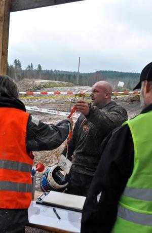 Team SHG Värmdö blev tvungna att bryta redan på det tredje varvet på grund av ett motorhaveri och lämnade därmed in sina startnummer.