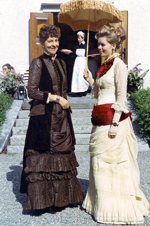 Britta Emnéus, Ulrika Thoresén.