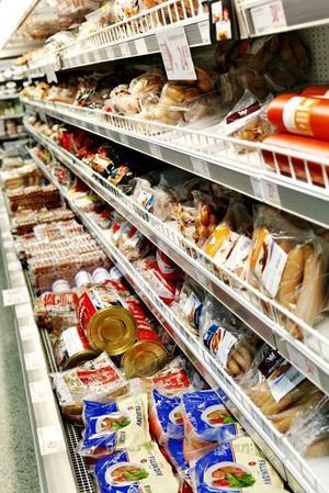 Kött- och charkdisken i en mataffär är   verkligen mångkulturell.Det är svårt att veta vilken information   som är viktig och vilken som vilseleder.