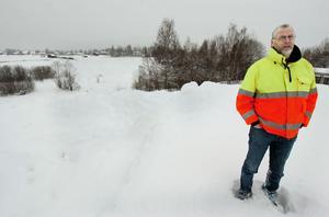 Olle Pettersson började med att jobba med VA-frågor i kommunen 1980. Men sedan början av 90-talet är han arbetsledare för gator och vägar.