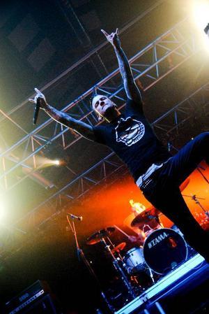Dead by april har tagit den melodiösa dödsmetallen ett steg längre än Göteborgskollegorna In Flames. Här blandas hård metall med syntar och popslingor.  Foto: Joakim Rolandsson