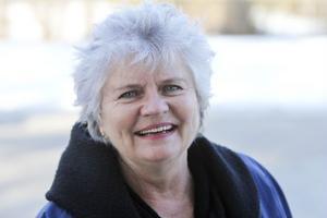 Inga Larsson, 69, fortsätter som tillförordnad gymnasiechef i Bollnäs till den sista juni.