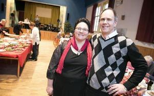 Paret Sören och Catarina Karlén har gjort julfesten för äldre och ensamma till en tradition. Foto: Dennis Pettersson/DT