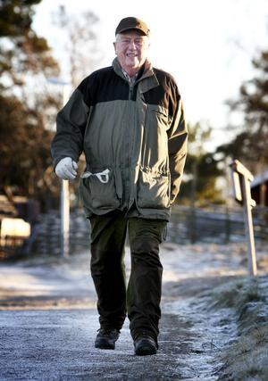Tidigare förvaltaren vid Hagge bevakning, Åke Bark, tog sig en timslång promenad på Söppenmyren under nyårsaftonens förmiddag. Han berömmer kommunen för satsningen på de fina gångvägarna nära centrum.
