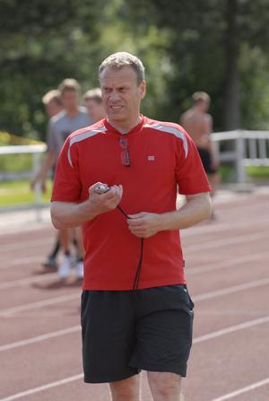 Fystränaren Stefan Henriksson ser till så att Moraspelarna ska komma rejält preparerade inför den allsvenska säsongen. I måndags fick han för första gången se i vilket fysiskt skick de utländska spelarna är i.