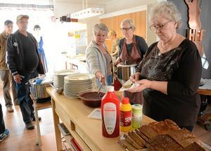 Mötesplats. Finska föreningens hus på Sikforsvägen har blivit en träffpunkt för många. Föreningen lägger stort fokus på den sociala dimensionen.