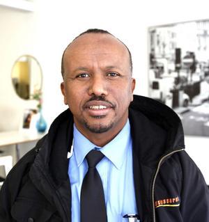 Hilowle Kalelow, 52 år, Gävle.– Det är ett jobb som jag kan utföra. Jag körde buss i Somalia också och har skaffat mig en till förarutbildning sedan jag kom hit.