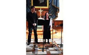 Maria Ljungström och Mats Lissjanis, Nås, drog publik i kyrkan.Foto: Sven Thomsen