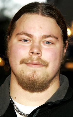 Tim Sjölund, 18 år, Odensala:– Nej. Det är väldigt smidigt för oss i