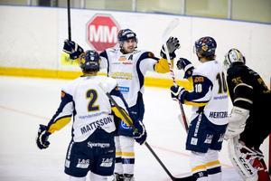 Mål igen för Sundsvall. Det blev tillslut sex sådana här måljubel för medelpadingarna.