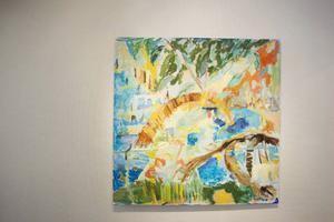 Galleri S nya ägare öppnar med en utställning av Irene Trotzig från Ystad. Hon visar ett färgstarkt och levande måleri som ger hopp om vår och ljus. Foto: Anton Enerlöv