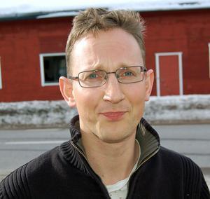 Mikael du Bouzet i Sörsjöns byalag menar att ett fibernät i Sörsjön ger bättre kommunikationsmöjligheter och ökade fastighetsvärden.