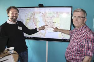 Vissa fastigheter på Ludvikakartan är gulfärgade, andra orangefärgade. Färgläggningen avslöjar vilka fastigheter som är mest lämpade för solelsanläggningar, förklarar Jacob Holgersson och Bengt Stridh.