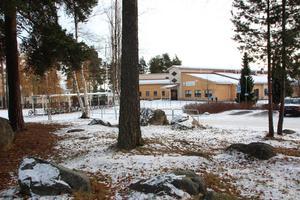Gruvriset är en av stadsdelarna i Falun med högst tryck på barnomsorg. Nu finns planer på tillfälliga paviljonger vid skolan och en nybyggd större förskola 2020.