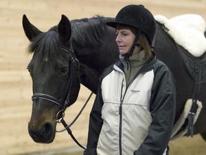 Var livrädd. Anna Hedlund tyckte att hästar var stora och otäcka djur. Nu, efter tio gånger på Väderbacken, är hon omvänd.