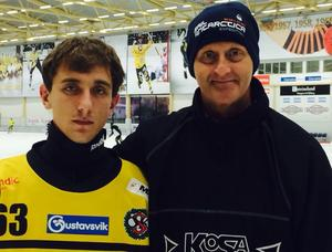 Stepan Bebaiev och ÖSK-tränaren Michael Bratt.