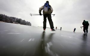 Full fart. Mälarisen har lockat till sig många motionärer den gångna vintern.foto: jonas Bilberg/VLT:S arkiv