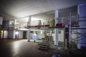 Det finns mycket att renovera i förvaltningshuset efter branden.