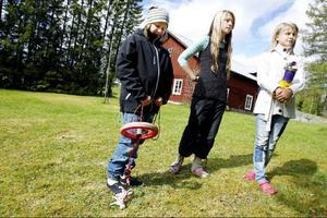 Till hösten fortsätter skaparkvällarna från barn och ungdom i Locknebygden. Då vill Evelina Jönsson, Annie Svensson och Anna-Klara Hallqvist jobba med keramik.