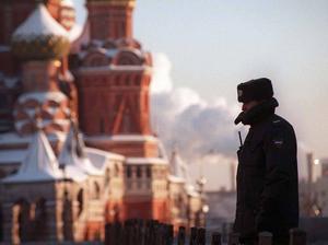 Magiskt och mystiskt. Men vad vet vi                          egentligen om vårt grannland?  Det som vi tror är utslag av Sovjetsystemet kan i själva verket vara ett traditionellt ryskt beteende.