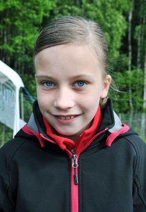 Hannah Gustafsson, 10 år, Fridhemsskolan, klass 4A– Träffa kompisar och ha det roligt tillsammans.