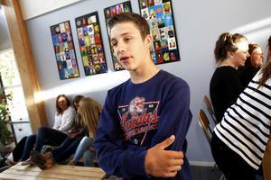 Niondeklassaren Mersad Shoric tror inte på avstängning av elever.– Skolan borde kunna göra andra saker för att eleven ska förstå att den gjort fel.
