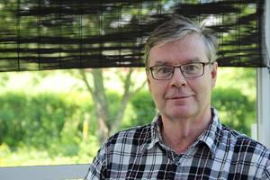 Per-Olov Löfgren väntar på beslut om han får bruka sin skog.