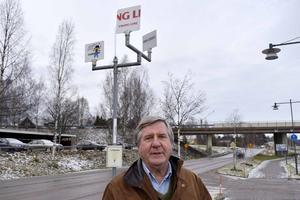 Karl Neuhold vill ha svar av Leksands kommunalråd Ulrika Lilheberg (C).