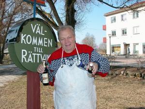 Marknaden stäms. Affärsmannen Björn Hansen från Danmark erbjöds ingen ny marknadsplats vid gamla mässhallen. Nu stämmer han marknadsarrangören på drygt 200 000 kronor.