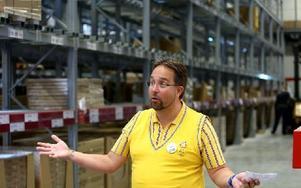 – Det blir kul att möta nya människor, säger Johan Nestor, varuhuschef på Ikea i Borlänge. Han har jobbat på Ikea tidigare i Linköping och tolv år i Örebro. Foto: Johnny Fredborg