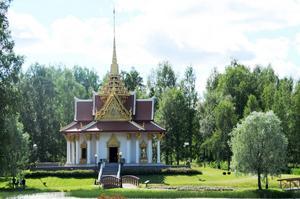 Den thailändska paviljongen besöks två gånger per år av en delegation från Thailand. Den ena gången i dag och den andra i oktober.