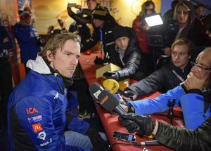 Johan Olsson vid presskonferensen inför sin comeback i världscupen.