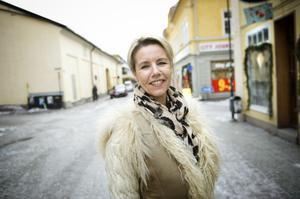 Eva-Lott Långberg hedrar sin far genom att laga en kräftlasagne med kräftor fångade i Barken.