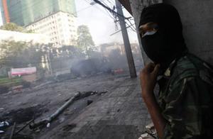 Sammandrabbningarna mellan militären och protestanterna i Thailand har gjort krigszoner av gator.Foto: Wason Wanichakorn/AP Photo
