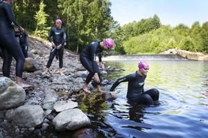 Stargrupp tre är på väg i vattnet efter att ha ätit frukost vid Mackmyra bruk.