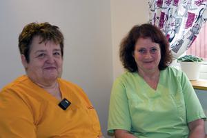 Yvonne Groth och Barbro Odhner har varit arbetskamrater i 25 år på Skogsbrynet.