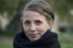 """På SVT. Tova Novotny spelar relationsrädda Eva i den nya norska tv-serien """"Dag""""."""