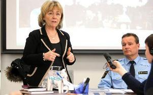 – Kavla upp ärmarna, att sitta och oroa sig leder ingenstans, uppmanade justitieminster Beatrice Ask polisstyrelsen i Dalarna som oroas över minskad resurstilldelning.