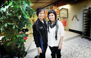 Mor och dotter, Petra och Josefin Thyrén, satsar på hälsosam mat när de nu tar över kafeterian på sporthallen.