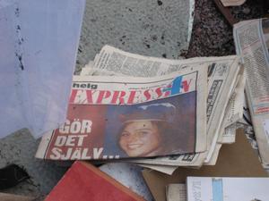 Bland spillrorna låg Expressen helgbilaga från lördagen den 6 november 1971. Men om någon har bott i vagnen sedan dess är höljt i dunkel.