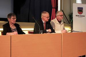 Mindre än två veckor efter sitt första sammanträde får Bräcke kommunfullmäktiges presidium träda i tjänst igen. Det är ordförande Anna-Lisa Isaksson (S), 1:e vice ordförande Peter Edling (FP) och 2:e vice ordförande Knut Richardsson (C).