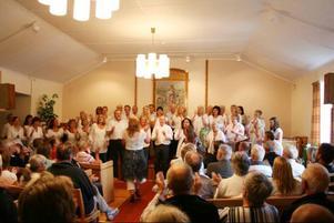 Det bjöds på härliga toner i Sionkapellet i Lofsdalen.
