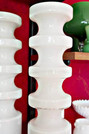 Vaserna är formgivna av PO Ström, Alsterfors glasbruk.
