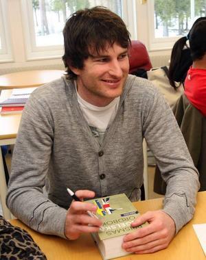 Heath Cutting har flyttat från Australien till flickvännen i Östersund. Och nu lär han sig svenska i Krokom.