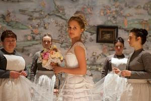 """Alicia Vikander spelar med i """"Anna Karenina"""" därKeira Knightley gör huvudrollen."""