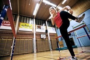 En envis kamp. År 2010 inleddes strålande av häcklöperskan Ellen Sääw med SM-guld och landslagsuppdrag. Nu är hon skadad igen men jobbar på med alternativ träning hemma i Hallsberg. Bild: Petter Koubek