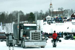 Tyngs och störst var den här nätta lastbilen från Älvdalen. Runt sex ton väger skapelsen.